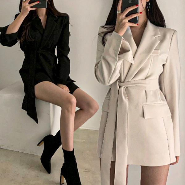 Цэвэр алдартнууд 2020 оны шинэ костюм хүрэм эмэгтэй Солонгосын загварын дунд зэргийн урт нэхсэн тор бэлхүүс нимгэн Британийн загварын костюмтай эмэгтэй цамц байв